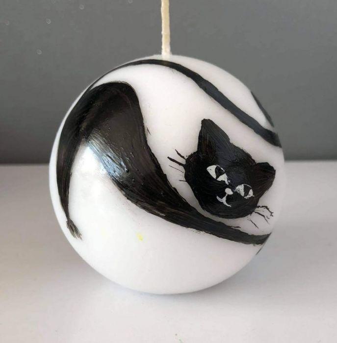 Świeca w kształcie kuli-kot Bonifacy -