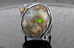 Pierścionek srebrny z opalem etiopskim