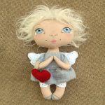 ANIOŁEK lalka - dekoracja tekstylna, OOAK /08 - mam filcowe serduszko