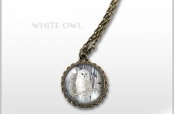 Medalion, naszyjnik - Biała sowa - mały - antyczny brąz