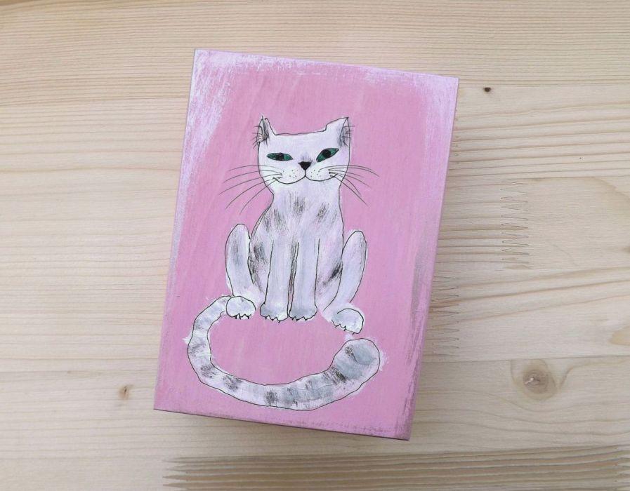 Pudełko malowane śr. - Kot w jasnym różu - kot na jaśniejszym różu
