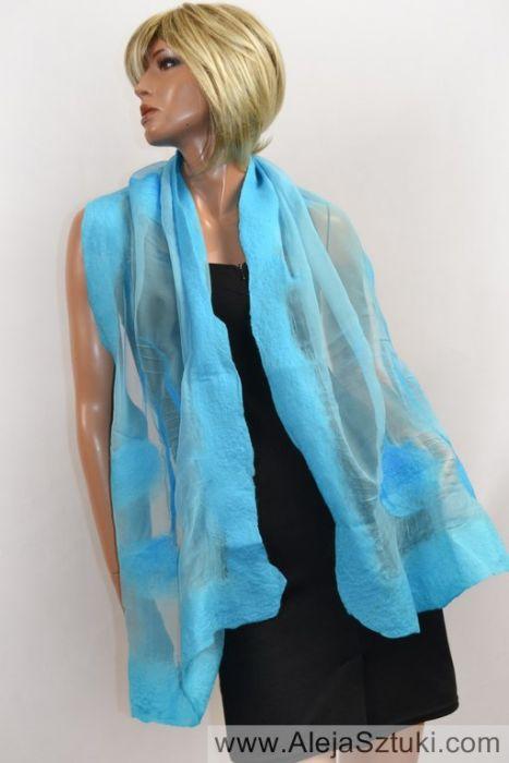 Błękitny szal jedwabny do sukienki