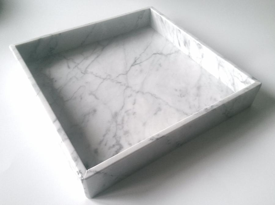 Taca z marmuru Bianco Carrara Venato 25 x 25 x 1 cm
