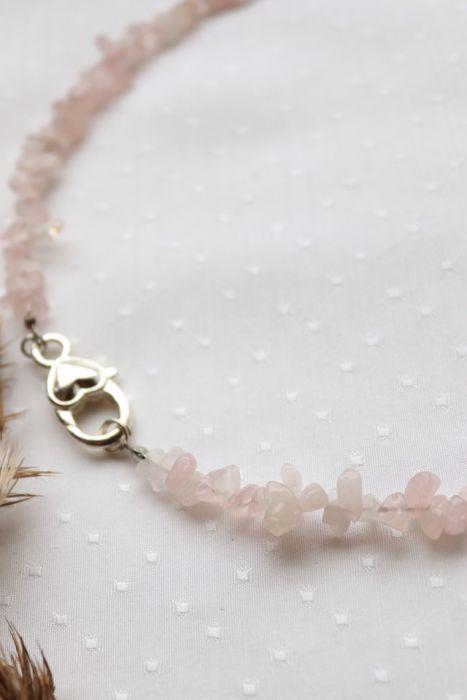 Naszyjnik z różowego kwarcu z zapięciem - Naszyjnik z kamieni z ozdobnym zapięciem