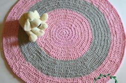 szydełkowy dywan ze sznurka