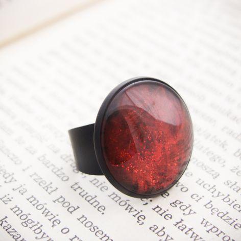 Duży pierścionek z malowanym szkłem - czerwon