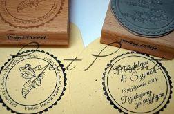 Stemple-etykiety na słoiczki z miodem dla gości weselnych