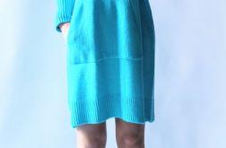 Sukienka oversize z kapturem 07