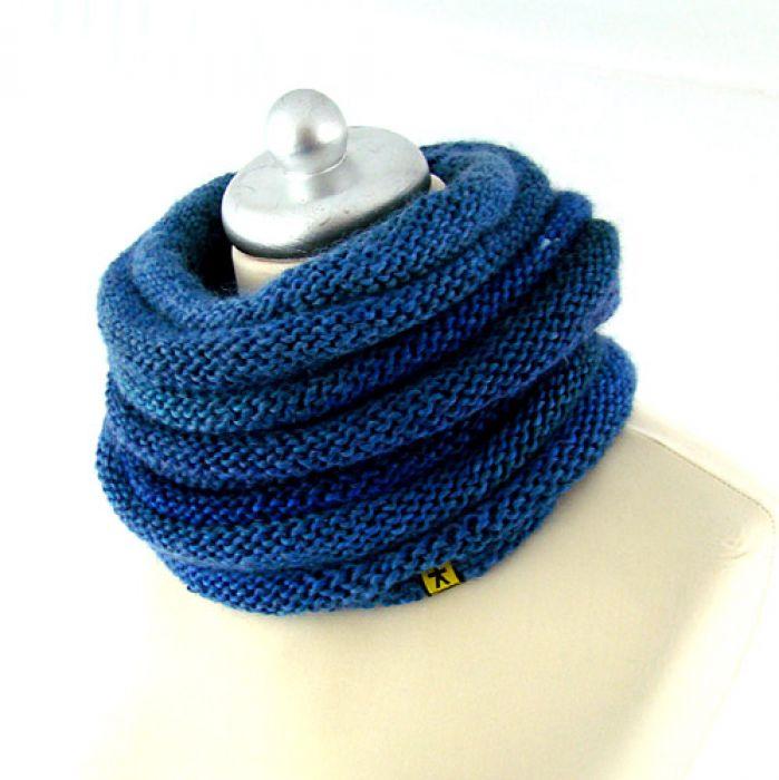 komplet w błękitach - czapka i komin -