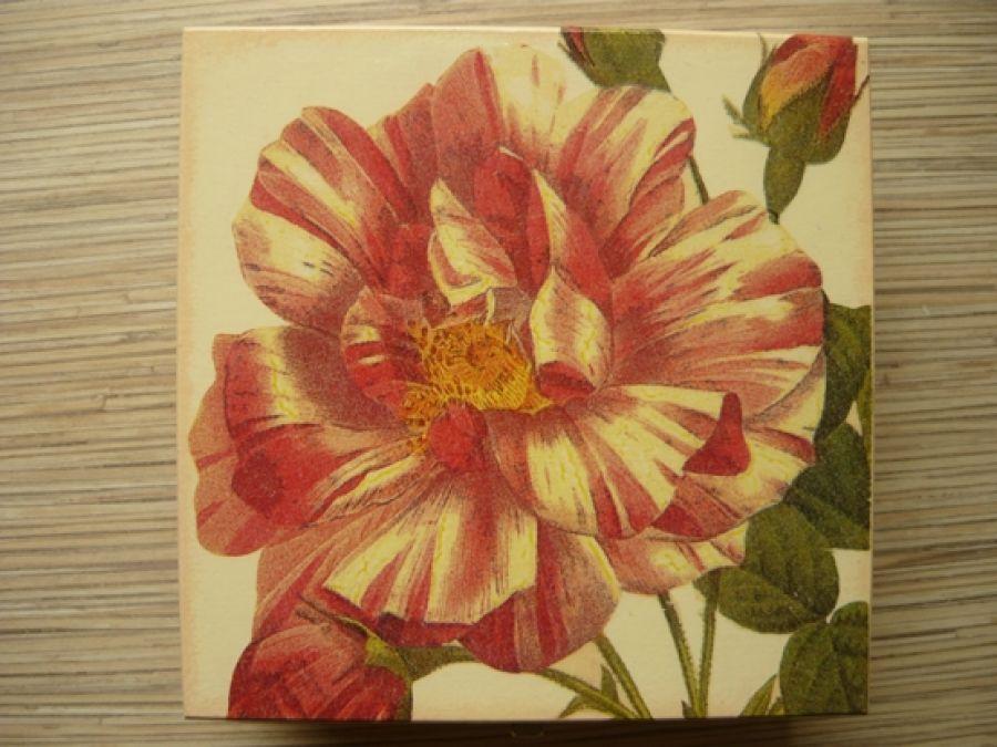 Śliczna szkatułka z różą