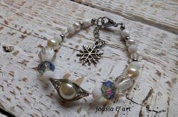 biało-srebrna z perełek