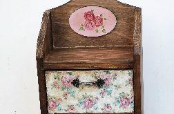 Komódka na biżuterię w stylu vintage