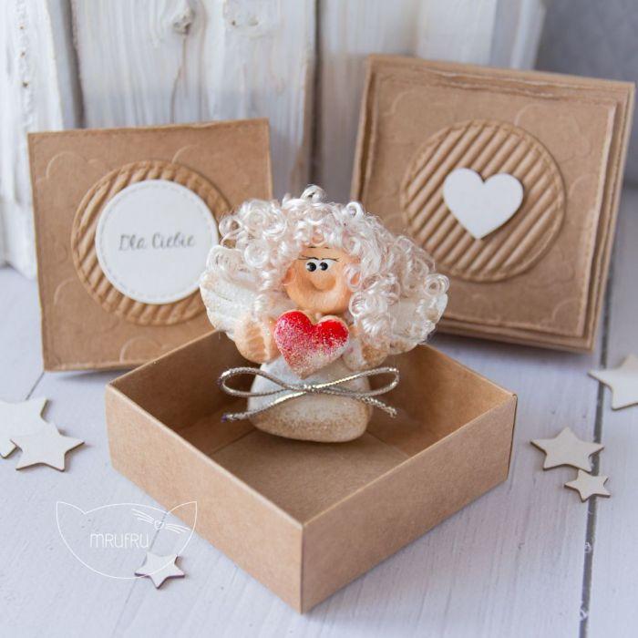 Aniołek Stróż oraz kartka w pudełeczku (a10)