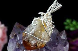 Srebrny wisior z surową bryłką cytrynu surowy