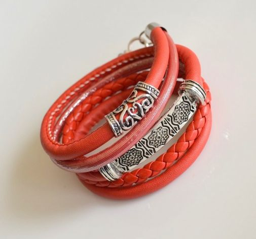 # red minimalist #