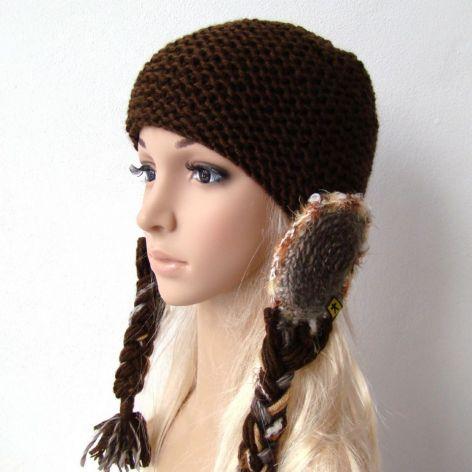 czekoladowa:) czapka z warkoczami i nausznikami