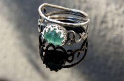 Pierścionek srebrny z turmalinem niebieskim