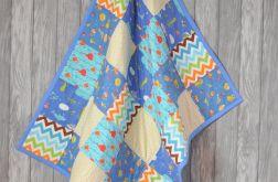 Niebieski patchworkowy kocyk dla dziecka