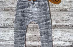 Baggy przecierany jeans rozmiar 104