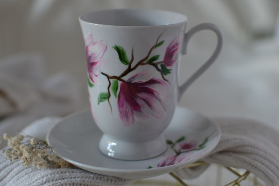 """Filiżanka 300 ml ze spodkiem ,,Różowa magnolia"""" - Tył"""