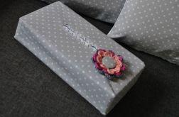 Etui na chusteczki z różowym kwiatem