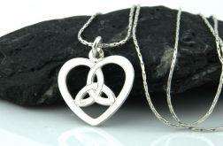 Srebrny łańcuszek z wisiorkiem sercem
