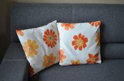 Poszewka dekoracyjna - pomarańczowe kwiaty