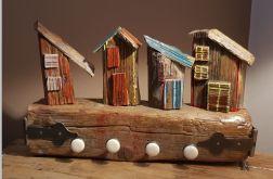 """Drewniany wieszak """"bajkowe domki"""""""
