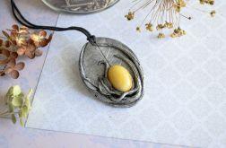 Wisior inspirowany naturą z żółtym jadeitem