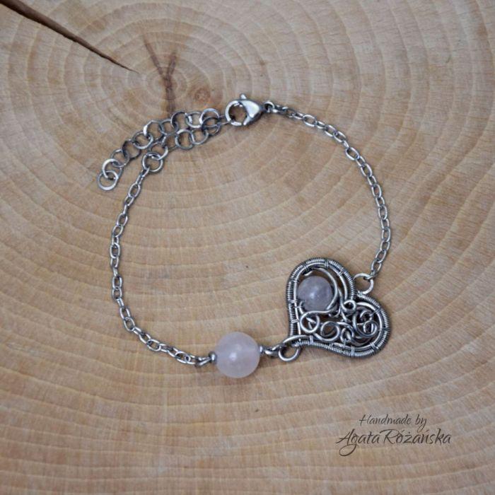 Bransoletka serce kwarc różowy stal  - Wykonana techniką wire wrapping