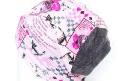 czapka dzianinowa różowa z dziewczynami