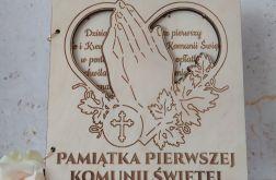 Kartka drewniana - pamiątka Pierwszej Komunii Świętej