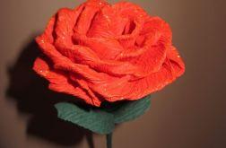 Róża czerwona ze złotym brokatem