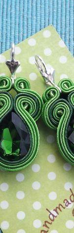 Błysk  Kryształów Zielone  kolczyki sutasz