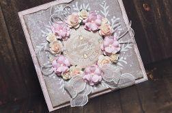 Ślubny wieniec róż