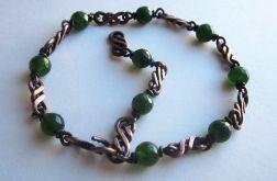 Bransoleta z zielonymi jadeitami