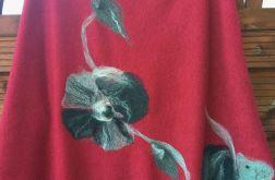 Bordowe ponczo z kwiatem u dołu