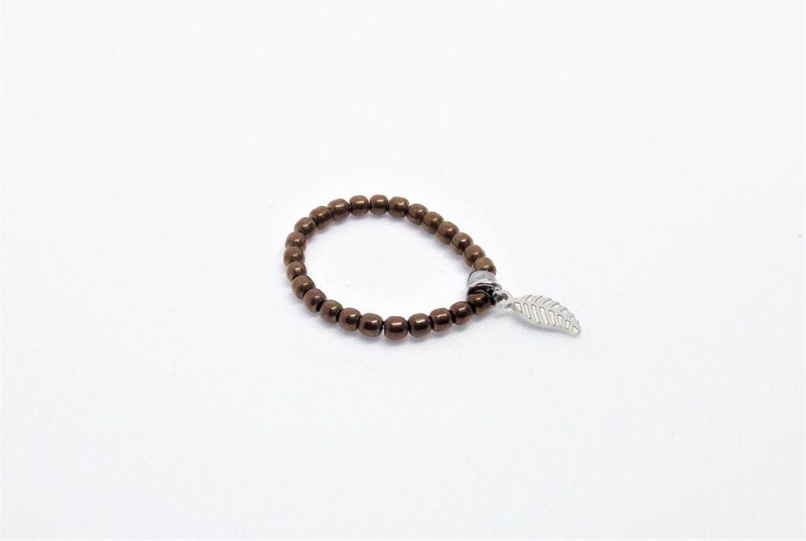 Pierścionek elastyczny z brązowych hematytów