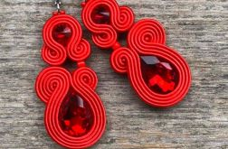 Czerwone kolczyki sutasz z kryształkami