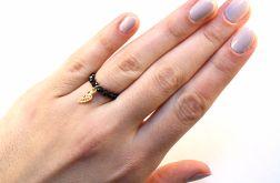 pierścionek na gumce onyks srebro pozłacane