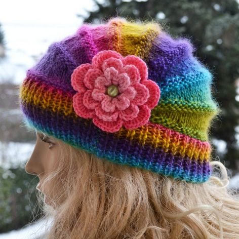 Kolorowa zima czapka poppy
