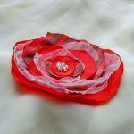 Broszka kwiat  czerwony z paskami