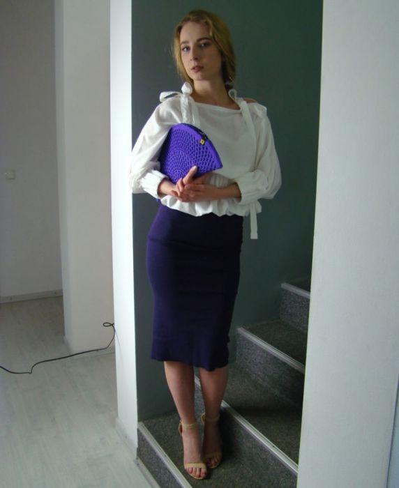 spódnica fioletowa tuba - sesja z torebką