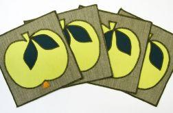 Podkładki pod filiżanki z żółtymi jabłuszkami