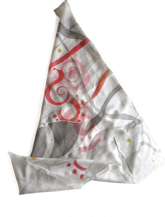 Szara ze srebrem i czerwienią jedwabna chusta - Duża jedwabna chusta malowana Szara ze Srebrem