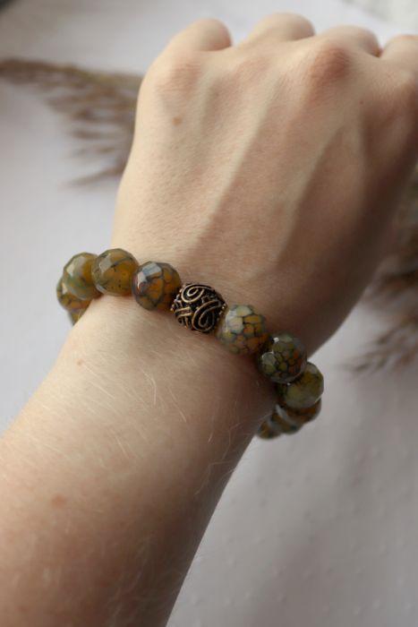 Bransoletka z zielonym agatem i koralikiem - Bransoletka na rękę z agatów