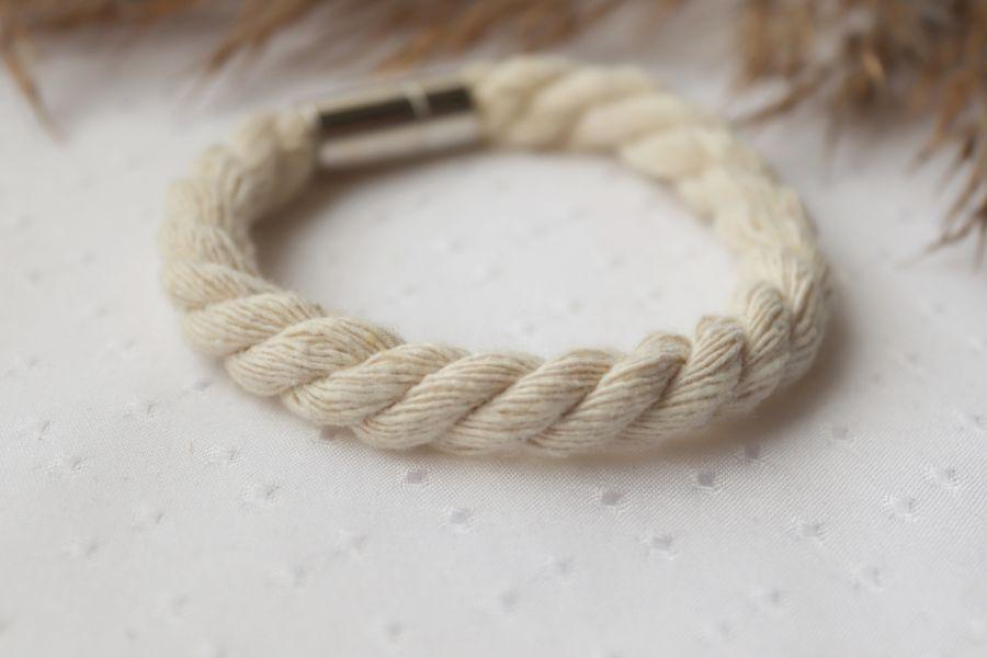 Bransoletka ze skręcanego, kremowego sznurka - Kremowa bransoletka ze skręcanego sznurka