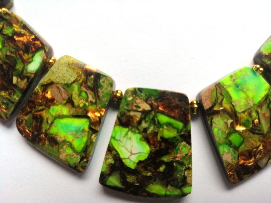 Zielony jaspis z bornitem, ekskluzywna kolia  -