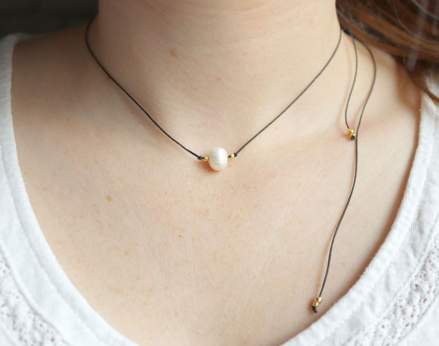 Naszyjnik z perłą na czarnym sznureczku - wisiorek z perłą na czarnym rzemyku