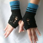 Czerń i błękit - ażurowe mitenki - rękawiczki